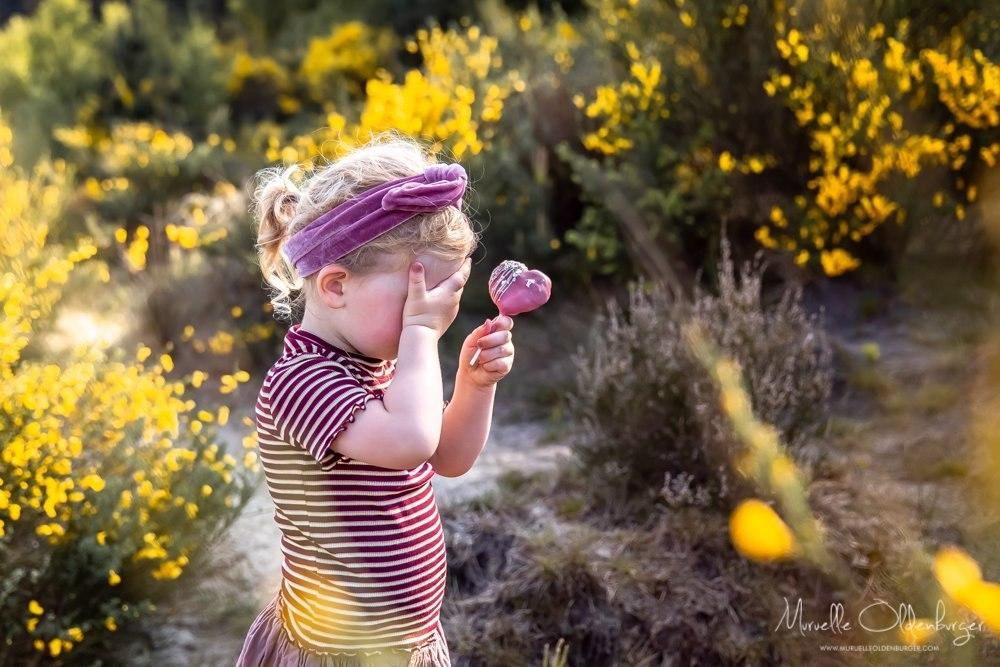 gezinsreportagekinderfotografiecoronaproofpicknickshootdrenthemuruelleoldenburger