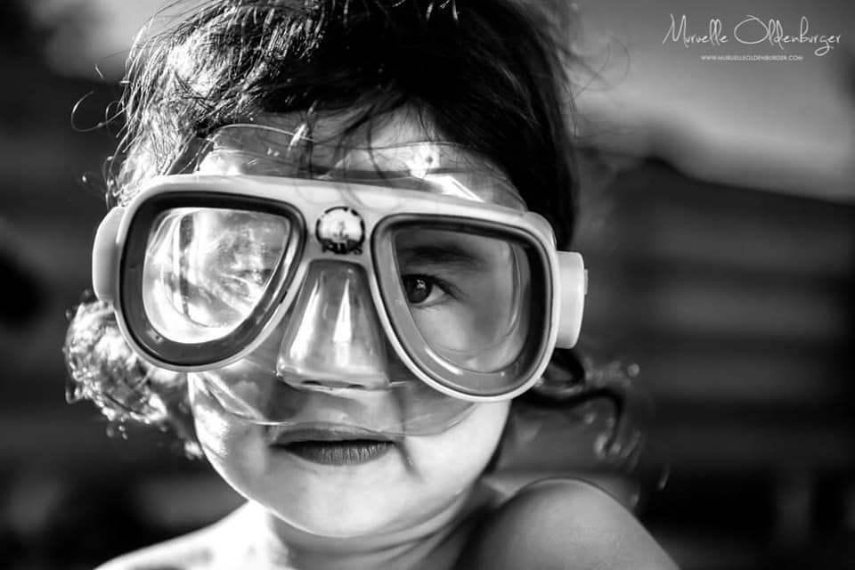 onderwaterpretvakantieshootkinderfotografiezwembadzomermuruelleoldenburger.jpg2_