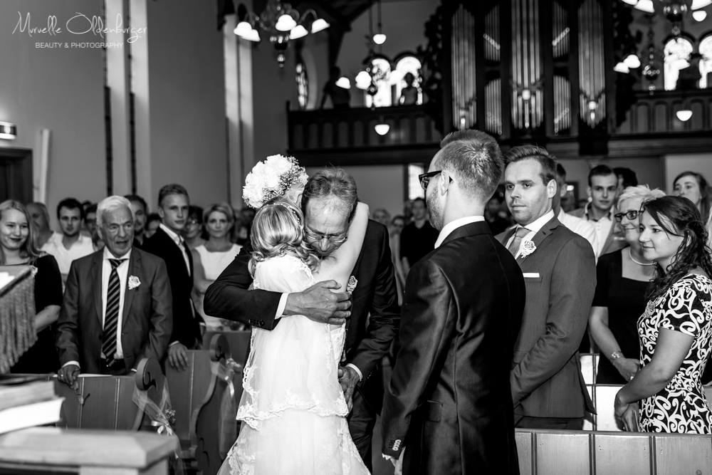 kerkelijktrouwenbruidsreportageloveshootfotografiemuruelleoldenburgeruithuizenroodeschoolmenkemaborg-5