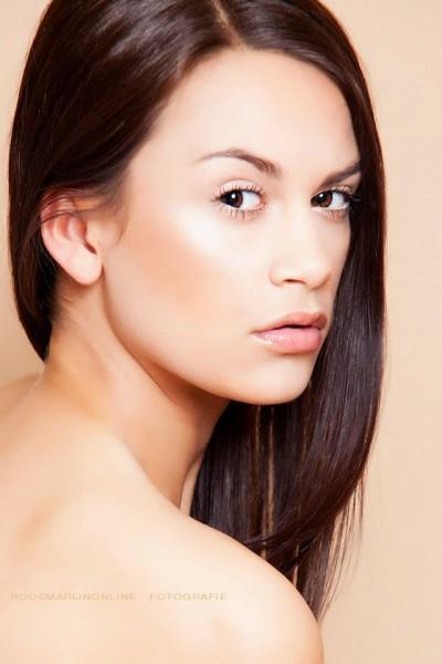 Modellen: Holland's next topmodel Gésanne Jongman, Holland's next topmodel Mieke Rozeman en Pierre Bruns Visagie en haar: Muruelle Oldenburger - 936615_255519554586986_1751456674_n-e1386522634164